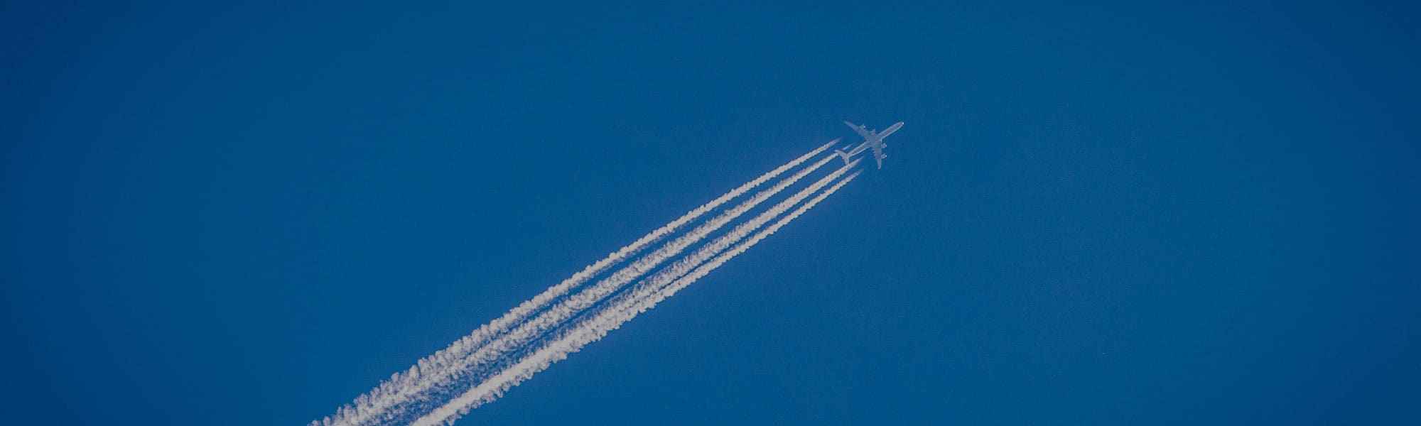 What Are Aircraft Fuel Suppliers Doing to Decarbonise?